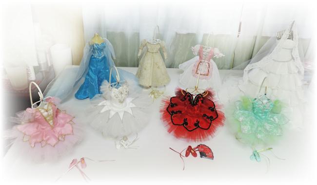 ミニチュアドレス制作「…on Bell」の作品群